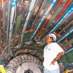 Tracking electrons with straws at the Large Hadron Collider